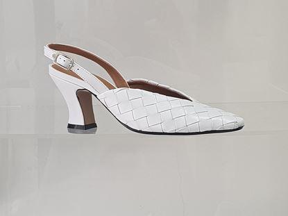 Immagine di Chanel con cinturino alla caviglia Carmens